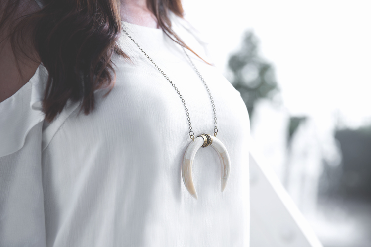 workwear horn necklace